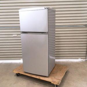 AQUAのノンフロン直冷式冷凍冷蔵庫  AQR-111A(SB)