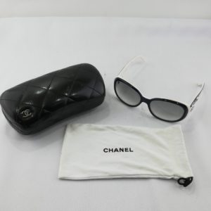 CHANEL シャネル サングラス ココマーク 5113 白×ネイビー ケース付き