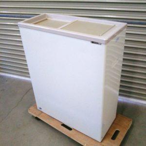 つくばにてサンデンの業務用冷凍庫 PF-070XF 冷凍ストッカーの出張買取いたしました