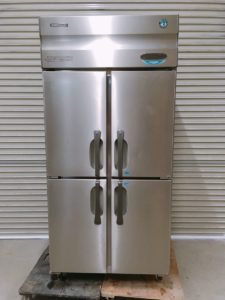 大子にてホシザキの業務用の冷凍冷蔵庫のHRF-90XFTを出張買取いたしました