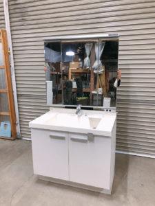 城里にてLIXILの三面鏡付きの洗面化粧台のGR1N-90B5Y-Aを出張買取いたしました